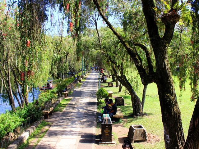バーナムパーク(Burnham Park)