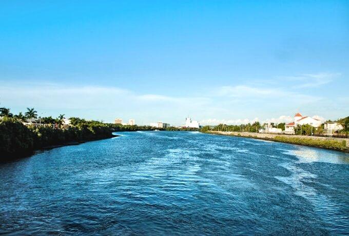 イロイロ川