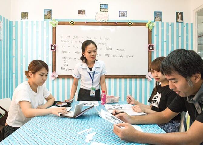 QQ Englishのグループクラス風景