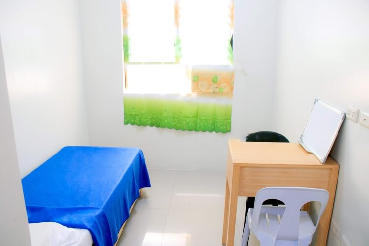 NILSのNEWキャンパスの1人部屋