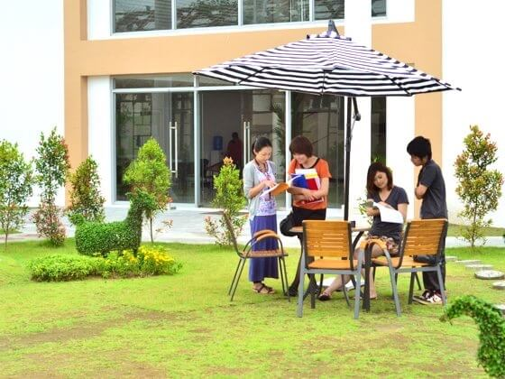 EG Academyの中庭