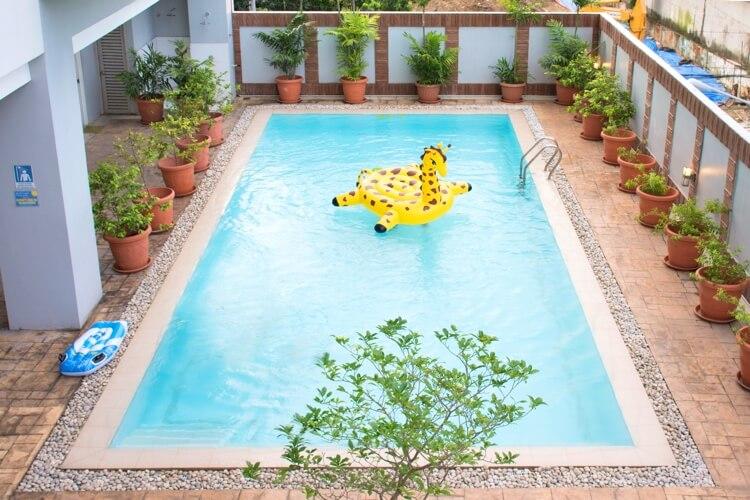 C2 Ubec プレミアム校のプール
