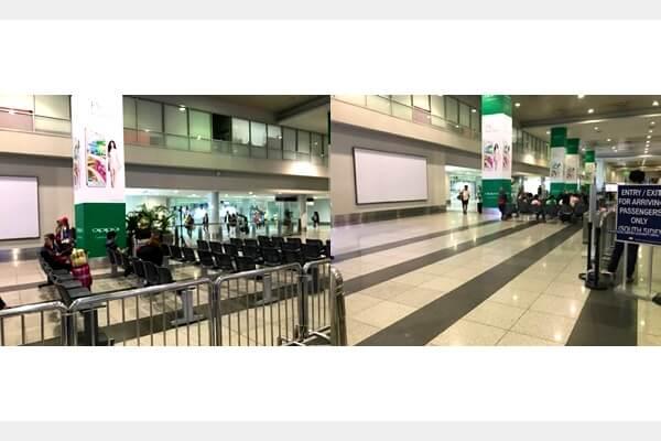 マニラ空港の第三ターミナルの出口前
